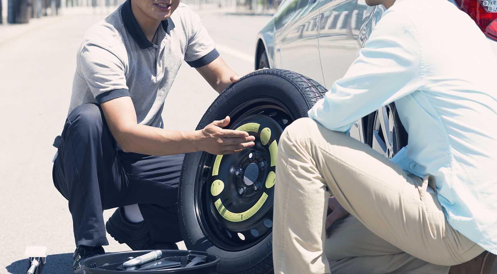 Αλλαγή ελαστικών αυτοκινήτου